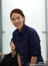 Jang Hee Ryung