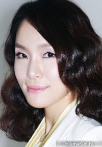 Lee Ji Young