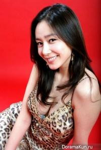 Ji Seo Yoon