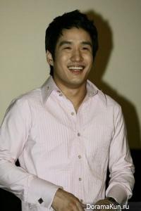Shin Hyun Tak