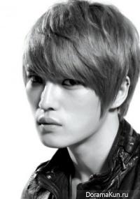Интервью - JaeJoong (JYJ) ответил на 4 личных вопроса (март 2011)