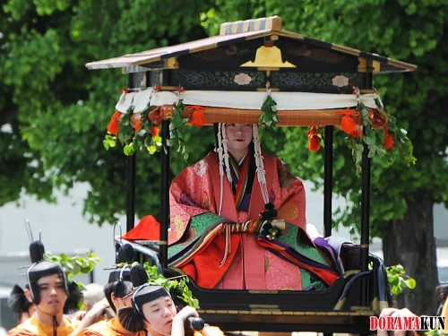 Япония. Фестиваль Аой Мацури.