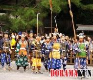 Красочно одетые войска Кусуноки Масасигэ начала 14 века.