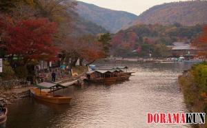 Япония. Прогулка на лодке по реке Хозу.