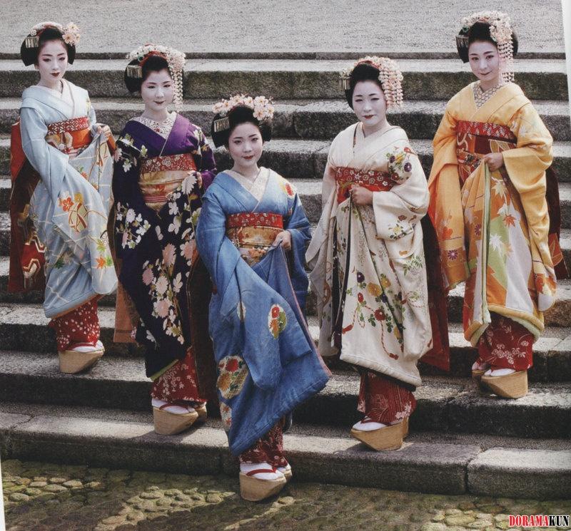 Япония. Кимоно. - Факты об азии - Интересное Японцы В Кимоно