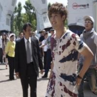 Ким Хён Чжун парализовал улицы Одайба неожиданным концертом