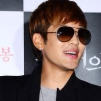 Se7en прокомментировал фильм 'Две луны', в котором снялась его девушка, Пак Хан Бёль