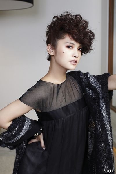 Rainie Yang 2012 Rainie-yang-vogue-taiwan-02