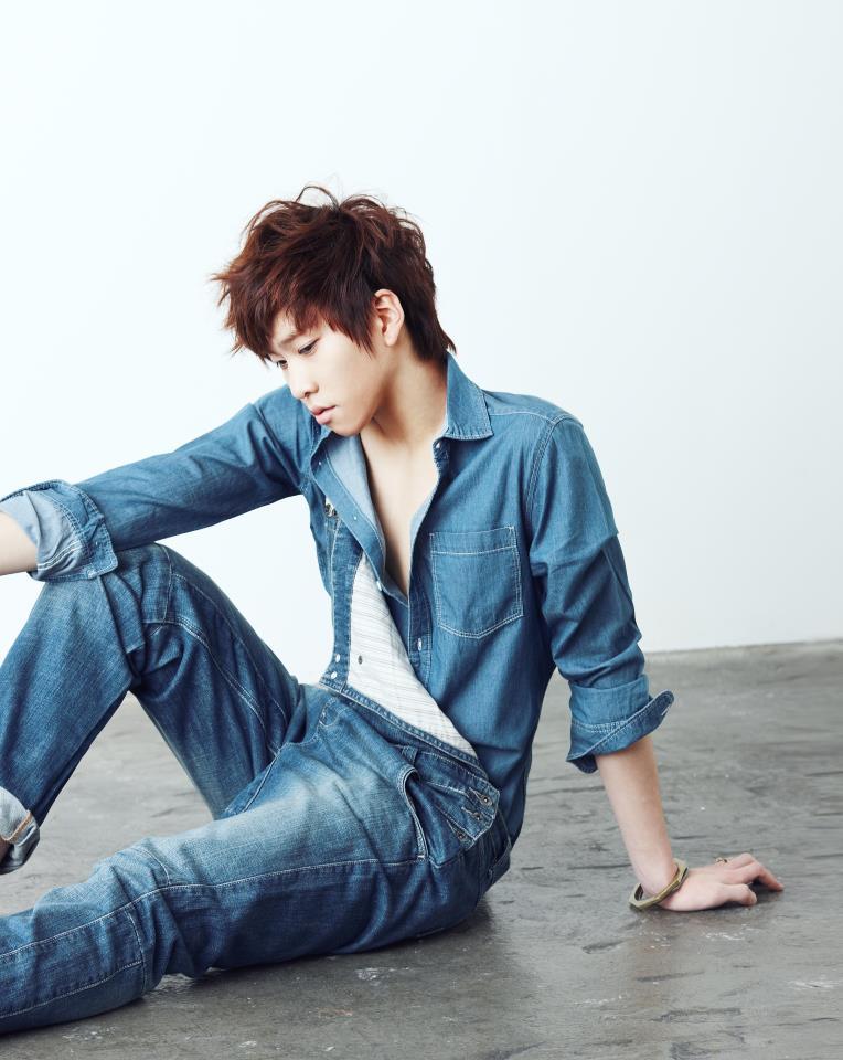http://doramakun.ru/users/7581/PHOTO-GALLERY/Boyfriend/Vogue-Girl-Korea-2012/Vogue-Girl03.jpg