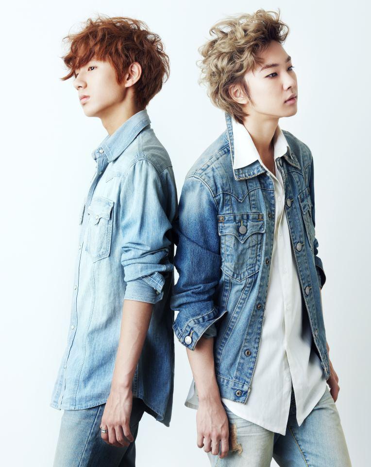 http://doramakun.ru/users/7581/PHOTO-GALLERY/Boyfriend/Vogue-Girl-Korea-2012/Vogue-Girl05.jpg