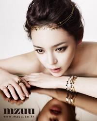 Park Si Yeon для MZUU Jewelry Ad Campaign