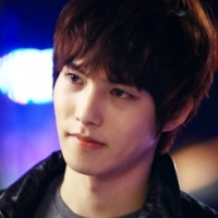 cnblue_jonghyun_gentlemensclas