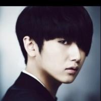 Хо Ён Сэн вернулся с мини-альбомом SOLO