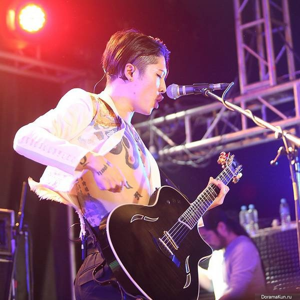 http://doramakun.ru/thumbs/users/16444/2014/March/MIYAVI/tit_m-600.jpg
