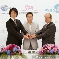 SM Entertainment, Avex Group и Universal Music Japan
