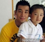 Vincent Zhao with son