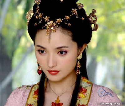 Zhang Lanlan in the role of Chen Yuanyuan in the series the Story of mountains and rivers