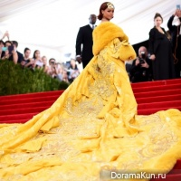 Rihanna dress by Guo Pei