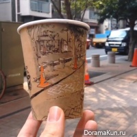 Japanese Illustrator on Coffee Cups