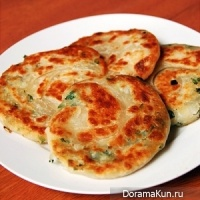 Thai onion pancakes