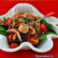 Salad with squid and shiitake