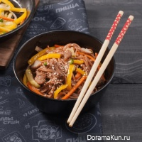 Buckwheat noodles (soba) with pork