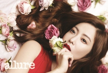 Moon Chae Won, Kim Hee Sun для Allure Korea May 2012