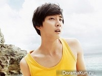 Yoon Si Yoon для Men's Health April 2013