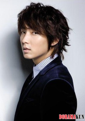 http://doramakun.ru/thumbs/users/7581/info/Lee-Jun-Ki/Lee-Jun-Ki4-286.jpg