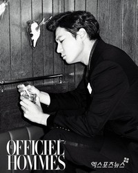 Lee Chun Hee для L'Officiel Hommes Korea February 2012